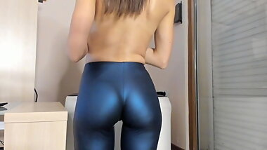 Tight ass babe in leggings