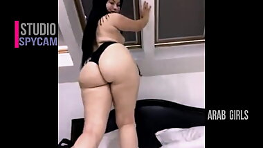 BIG ASS ARAB BEAUTY GIRL