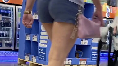 Sexy mature in short shorts sexy legs and wedgie
